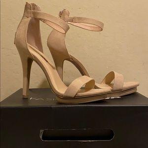Fashion Nova TNT Heel Natural/Combo size 8.5